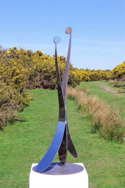 Stainless steel garden sculpture Embrace.